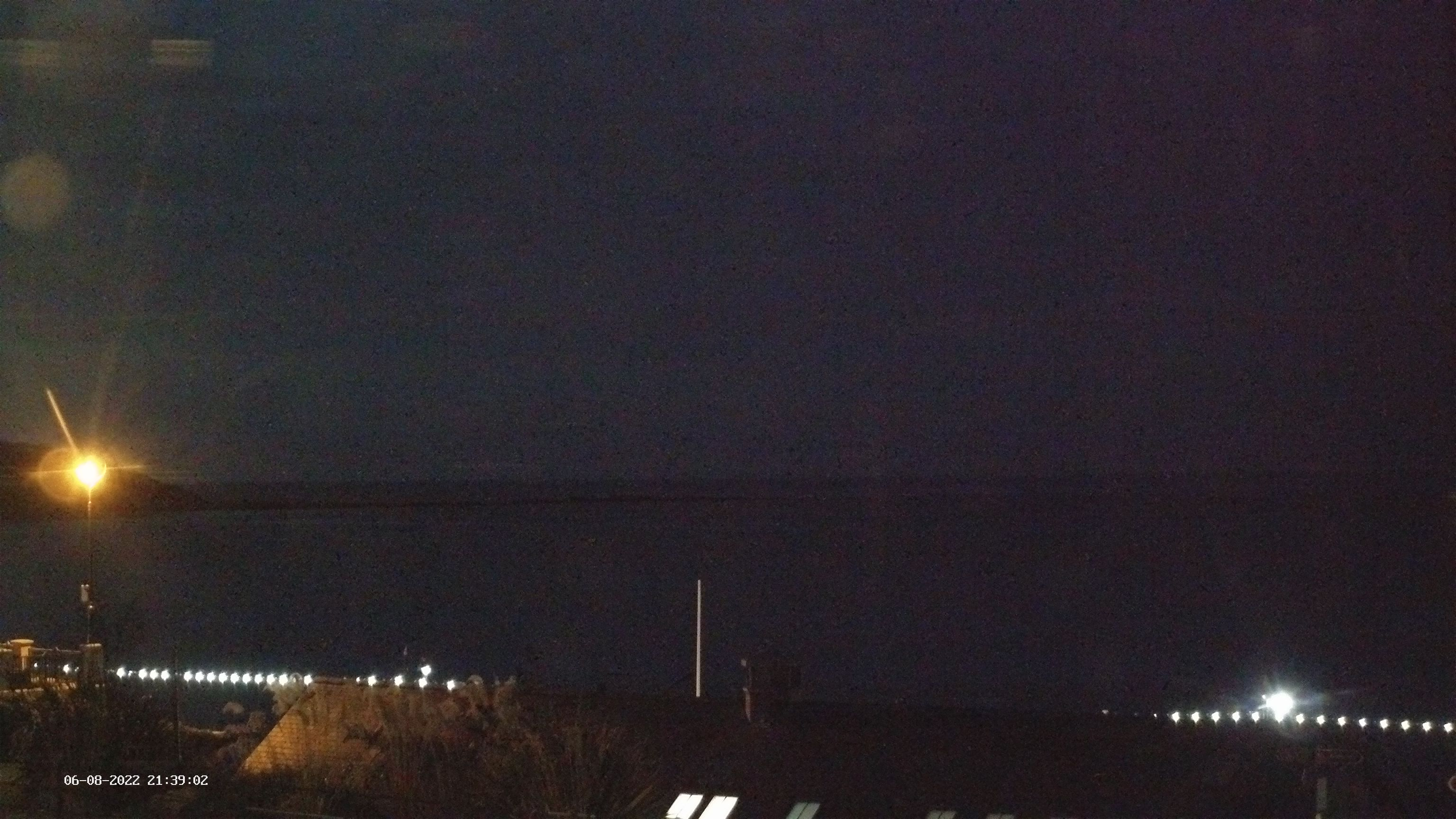 Click to view the Filey Bay, Yorkshire, East Coast surfcam