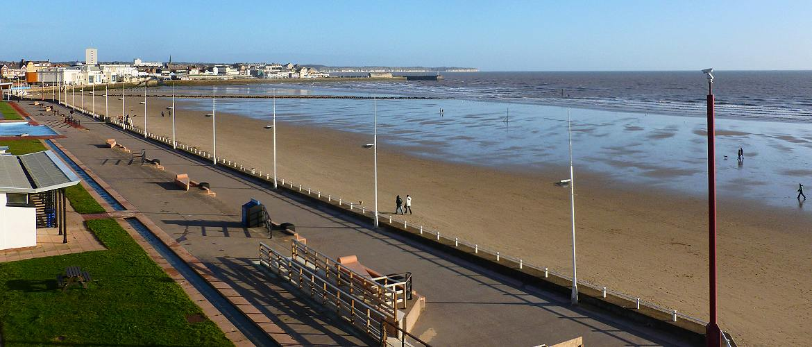 Bridlington south beach and harbour